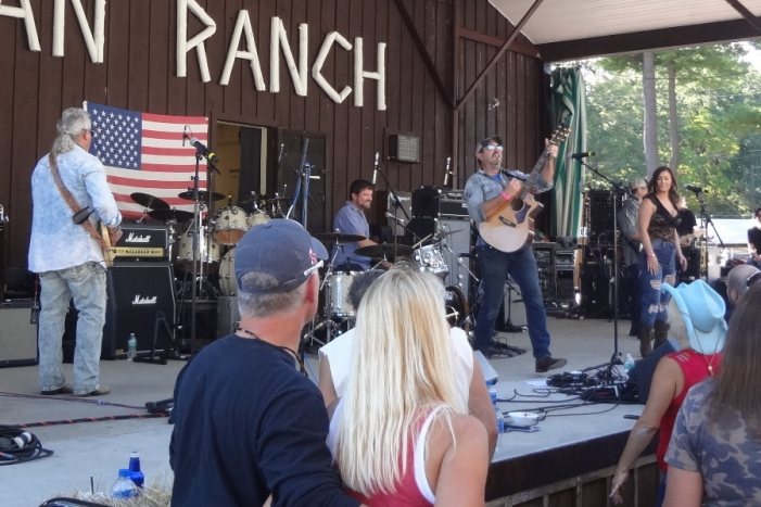 Darren Bessette Band at Local CountryFest